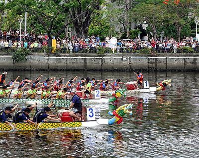 Photograph - The 2017 Dragon Boat Races In Taiwan by Yali Shi