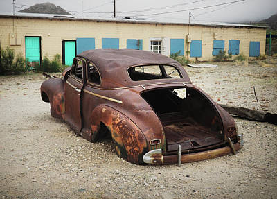 Photograph - The Abandoned Chevy Still Sings by Lynn Wohlers