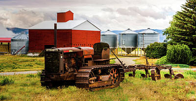 Photograph - The Abandoned Tractor - 3 by TL Mair