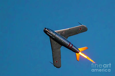 Photograph - The Afterburner by Gary Holmes