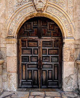 Photograph - The Alamo Entrance - San Antonio Texas by Gregory Ballos
