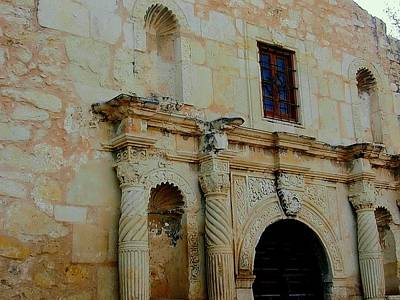 Photograph - The Alamo Facade by Beth Akerman