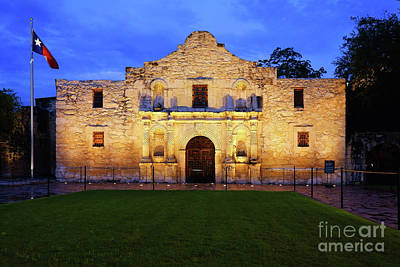 Photograph - The Alamo by Roxie Crouch