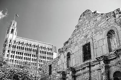 Photograph - The Alamo - San Antonio - Black And White by Gregory Ballos