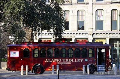 Photograph - The Alamo Trolley by Andrew Dinh