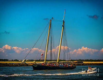 Photograph - The America Sails To The Sea by Nick Zelinsky