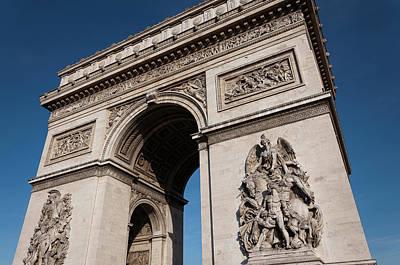 The Main Photograph - The Arc De Triomphe by D Plinth