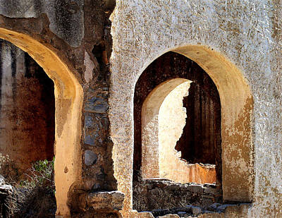 Ruin Photograph - The Arches Of San Pedro by Charlotte Bell