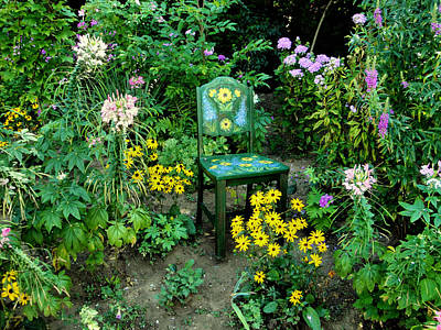 Photograph - The Artists Garden by Natalie Holland