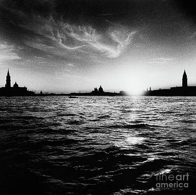 Photograph - The Bacino Di San Marco, Venice, Italy  by Simon Marsden
