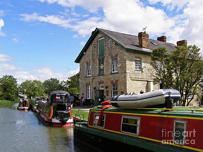 Photograph - The Barge Inn Kennet And Avon Canal by Terri Waters