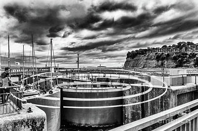 Photograph - The Barrage Ellipses Mono by Steve Purnell