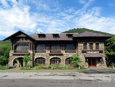 Photograph - The Bear Mountain Inn by Ed Weidman