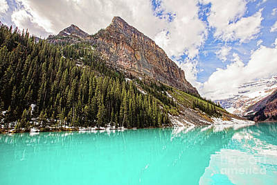 The Beauty Of Lake Louise Art Print