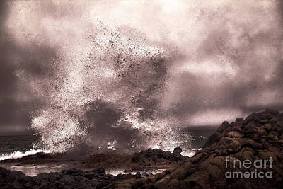 Photograph - The Beauty Of Rage by Jeff Swan