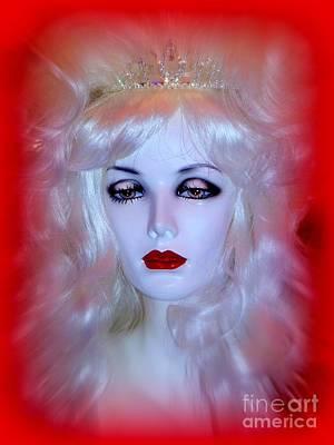 Digital Art - The Beauty Queen by Ed Weidman