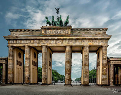 Photograph - The Berlin Brandenburg Gate  by Endre Balogh