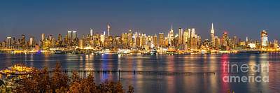 Cityscenes Photograph - The Big Apple by Abe Pacana