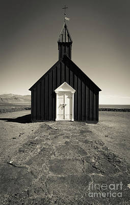 Photograph - The Black Church by Edward Fielding