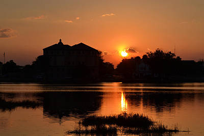 Photograph - The Blazing Sun Goes Down by rd Erickson