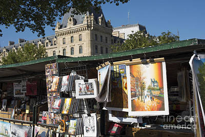 Photograph - Bouquinistes De Paris by Juli Scalzi