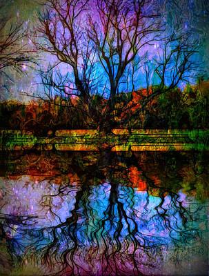 Digital Art - The Breaking Line... by Lilia D