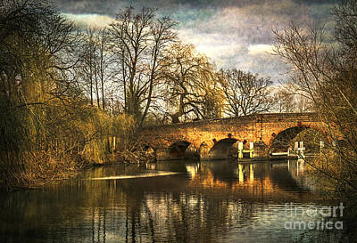 Dick Turpin Photograph - The Bridge At Sonning On Thames by Ian Lewis