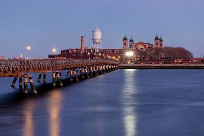 Photograph - The Bridge To Ellis Island by Tom Singleton