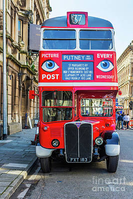 Photograph - The Bus To Putney by Steve Purnell