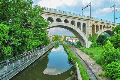 Photograph - The Canal In Manayunk In Summer by Bill Cannon
