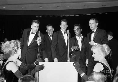Oceans 11 Photograph - The Cast Of Ocean's 11 And Members Of The Rat Pack. by The Titanic Project
