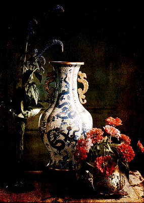 Digital Art - The Chinese Vase by Sarah Vernon