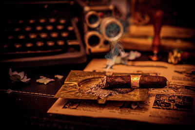 Photograph - The Cigare by Lilia D