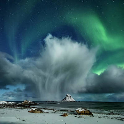Photograph - The Cloud II by Frank Olsen