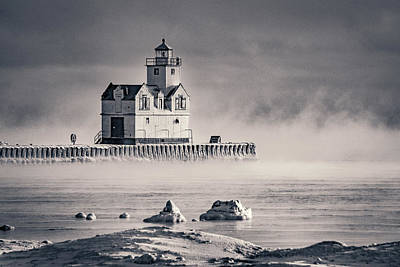 Photograph - The Coldest Lonely by Bill Pevlor