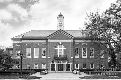 Special Occasion Photograph - The College Of William And Mary Mason School Of Business by University Icons