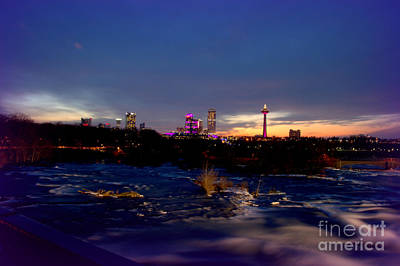 I Love Canada Photograph - The Colors Fade Into The Night by Sheila Lee
