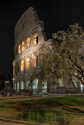 Photograph - The Colosseum - 2 by Gary Lengyel