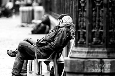 Photograph - The Conversation by John Rizzuto