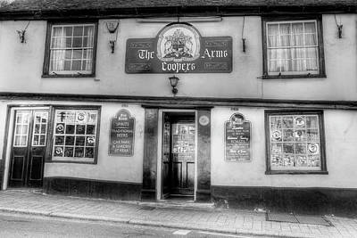 Photograph - The Coopers Arms Pub Rochester by David Pyatt