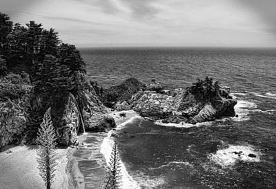 Photograph - The Cove Black And White by Judy Vincent