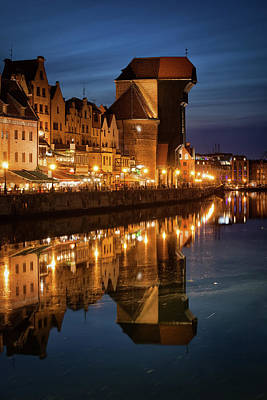 Photograph - The Crane In Old Town Of Gdansk By Night by Artur Bogacki