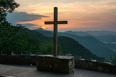 Caesars Head State Park Photograph - The Cross At Pretty Place by Kevin Ruck