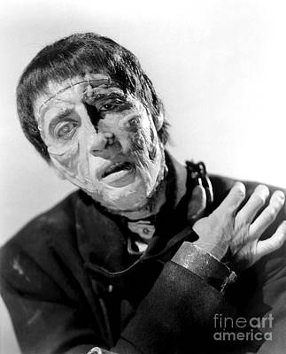 Photograph - The Curse Of Frankenstein Christopher Lee 1957 by R Muirhead Art