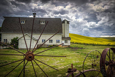 Photograph - The Dahmen Barn by Brad Stinson