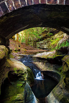 Photograph - The Devil's Punchbowl - Hocking Hills by Ron Pate