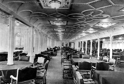 Ev-in Photograph - The Dining Room Of The Rms Titanic by Everett