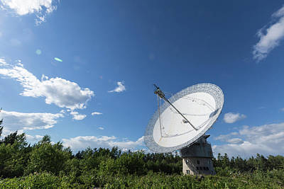 Photograph - The Dish During The Day by Josef Pittner