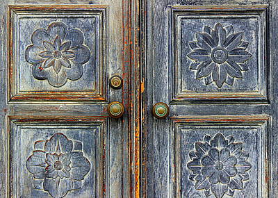 Photograph - The Door by Ranjini Kandasamy