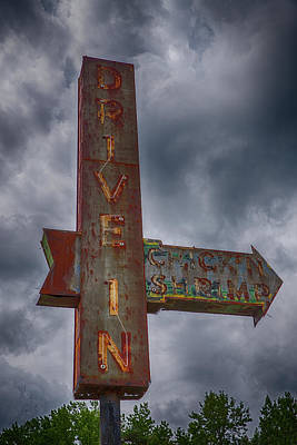 Wall Art - Photograph - The Drive In by Cliff Middlebrook